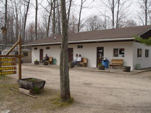 The front of the office at Hidden Hill Family Campground